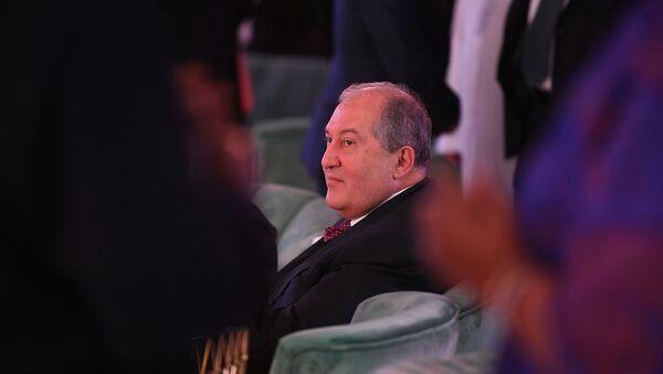 Находящийся с рабочим визитом в ОАЭ Президент РА Армен Саркисян (14 января 2020). Абу-Даби - Sputnik Արմենիա