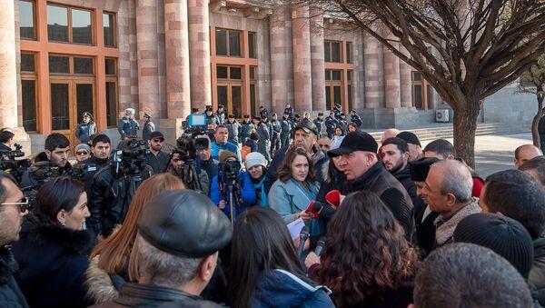 Акция протеста водителей перед Домом правительства (15 января 2020). Еревaн - Sputnik Արմենիա