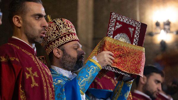 Поминальная литургия в память о жертвах погромов в Сумгаите - Sputnik Армения