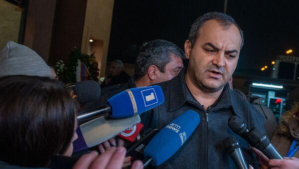 Генеральный прокурор Артур Давтян на гражданской панихиде Георгия Кутояна (19 января 2020). Еревaн - Sputnik Армения