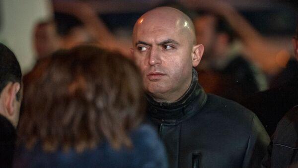 Армен Ашотян на гражданской панихиде Георгия Кутояна (19 января 2020). Еревaн - Sputnik Армения