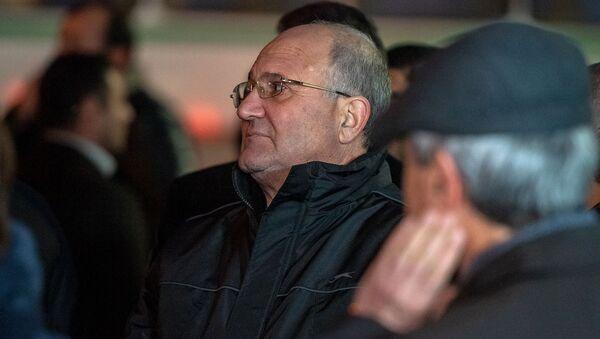 Самвел Никоян на гражданской панихиде Георгия Кутояна (19 января 2020). Еревaн - Sputnik Արմենիա