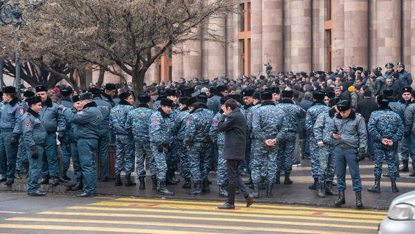 Акция протеста фермеров у Дома правительства (20 января 2020). Еревaн - Sputnik Армения