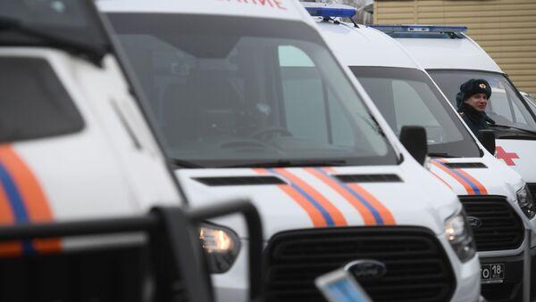 Скорая помощь, машины МЧС и полиция в России - Sputnik Армения