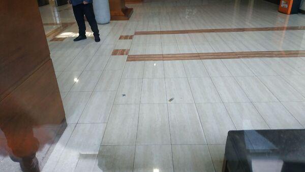 Гильзы на полу в фойе Эребуни плаза - Sputnik Արմենիա