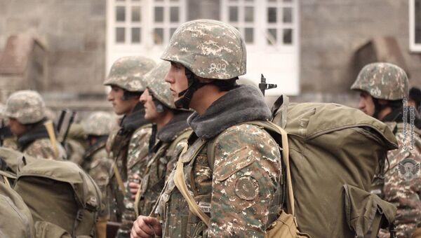 Армянские военнослужащие на практических занятиях - Sputnik Армения