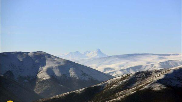 Гора Арагац с высоты горы Макаракар - Sputnik Армения