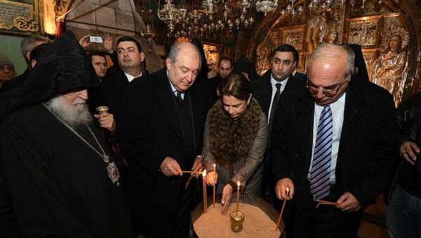 Президент Армен Саркисян и госпожа Саркисян посетили Храм Святого Воскресения (25 января 2020). Иерусалим - Sputnik Արմենիա