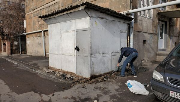 Демонтаж ларьков в административном районе Аджапняк (26 января 2020). Еревaн - Sputnik Армения