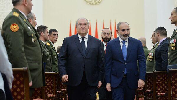Торжественная церемония награждения военнослужащих в честь Дня армии в резиденции президента (27 января 2020). Еревaн - Sputnik Արմենիա