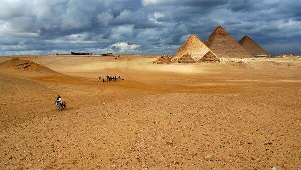 Комплекс пирамид в Гизе - комплекс древних памятников на плато Гиза в пригороде Каира, одно из Семи чудес древнего и современного мира - Sputnik Արմենիա