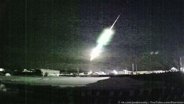 Падение метеора на Урале попало на видео - Sputnik Армения