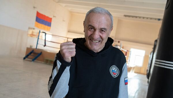 Заслуженный тренер Армении по боксу Манвел Габриелян  - Sputnik Արմենիա