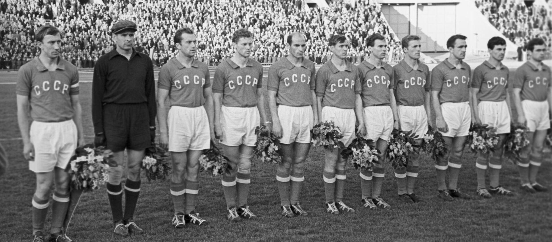 Сборная команда СССР по футболу 1960 года. - Sputnik Արմենիա, 1920, 08.02.2020