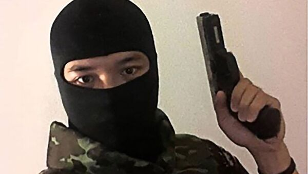 Скриншот, сделанный 8 февраля 2020 года со страницы Facebook Джекрапанта Томмы, тайского солдата, разыскиваемого в связи с нападением в северо-восточном городе Накхонратчасима. - Sputnik Армения