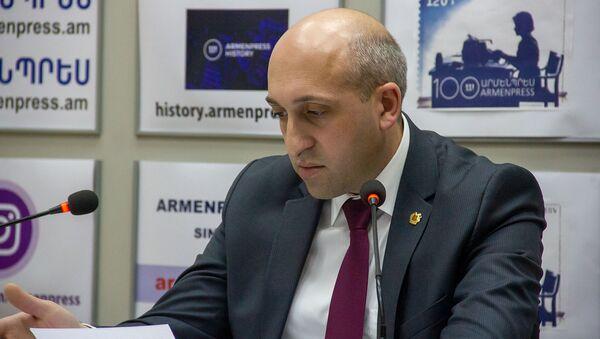 Губернатор Лори Андрей Гукасян на пресс-конференции (22 февраля). Еревaн - Sputnik Армения