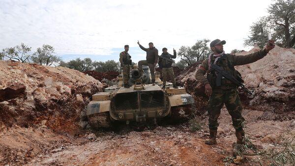 Поддерживаемые Турцией сирийские боевики готовятся выйти на линию фронта в провинции Идлиб (11 февраля 2020). Сирия - Sputnik Արմենիա