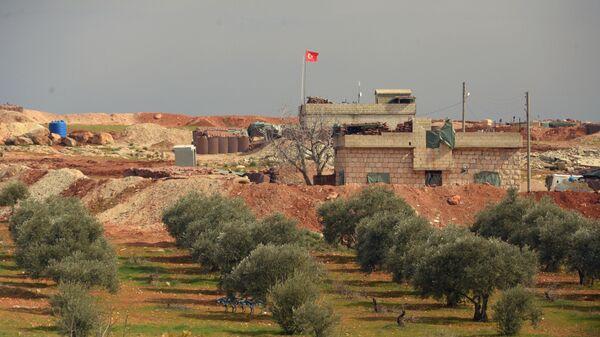 Турецкий пост наблюдения на границе с Сирией в окрестностях сирийского города Мааррат-эн-Нууман, освобожденный военнослужащими Сирийской арабской армии (20 февраля 2020). - Sputnik Армения
