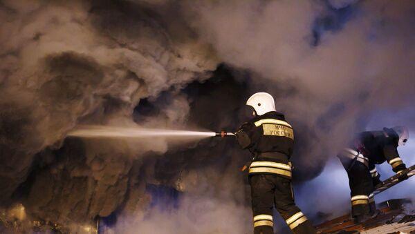Пожар на складе лакокрасочных материалов в Волгограде - Sputnik Армения
