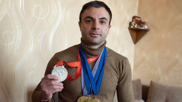 Тяжелоатлет Тигран Мартиросян - Sputnik Արմենիա