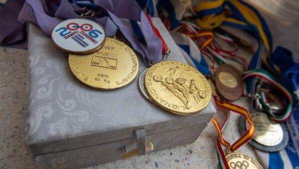 Медали тяжелоатлета Тиграна Мартиросяна - Sputnik Армения