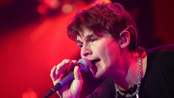 Норвежский певец Мортон Харквид из группы A-HA выступает на сцене на концерте в Базеле - Sputnik Армения