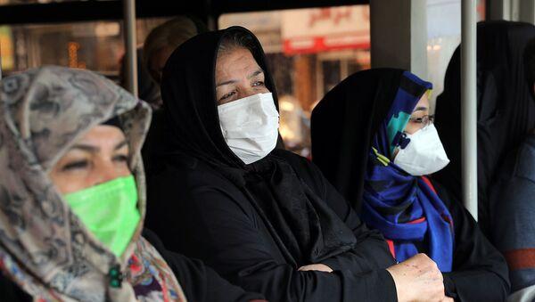 Пассажиры в общественном транспорте (23 февраля 2020). Тегеран - Sputnik Արմենիա