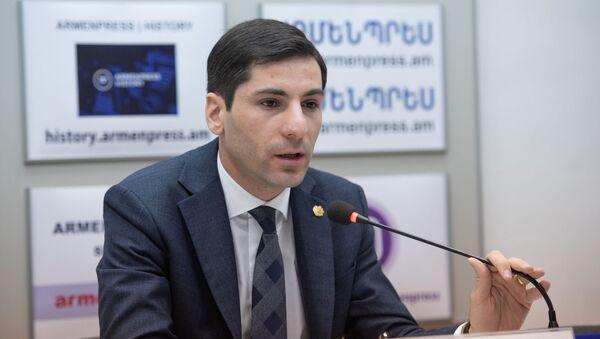 Пресс-конференция губернатора Араратской области Гарика Саркисяна (26 февраля 2020). Еревaн - Sputnik Армения