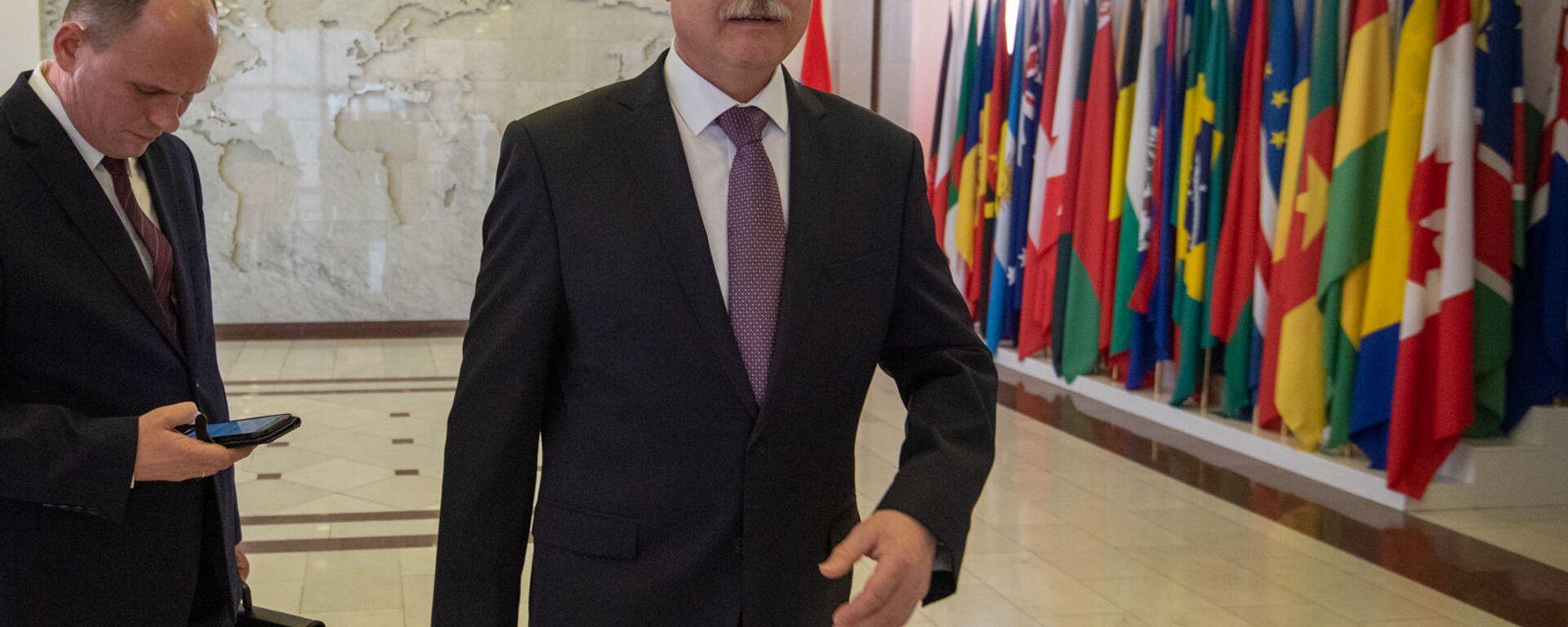 Генеральный секретарь ОДКБ Станислав Зась после встречи с министром иностранных дел Армении (28 февраля 2020). Еревaн - Sputnik Армения, 1920, 03.07.2021