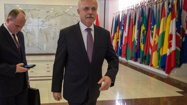 Генеральный секретарь ОДКБ Станислав Зась после встречи с министром иностранных дел Армении (28 февраля 2020). Еревaн - Sputnik Армения