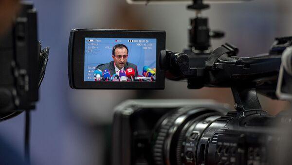 Министр здравоохранения Арсен Торосян на пресс-конференции по теме коронавируса (1 марта 2020). Еревaн - Sputnik Армения