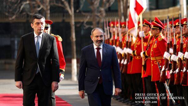 Официальная церемония встречи премьер-министра Армении Никола Пашиняна во время официального визита в Грузию (3 марта 2020). Тбилиси - Sputnik Արմենիա