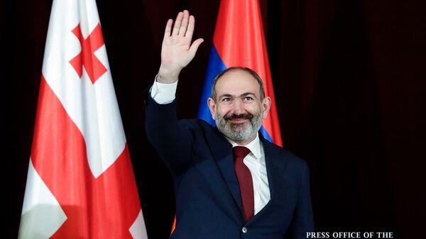Премьер-министр Армении Никол Пашинян встретился с армянской общиной Грузии (3 марта 2020). Тбилиси - Sputnik Արմենիա