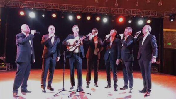 Тбилисо и Ов сирун сирун: Пашинян поделился видео с официального ужина в Тбилиси - Sputnik Армения
