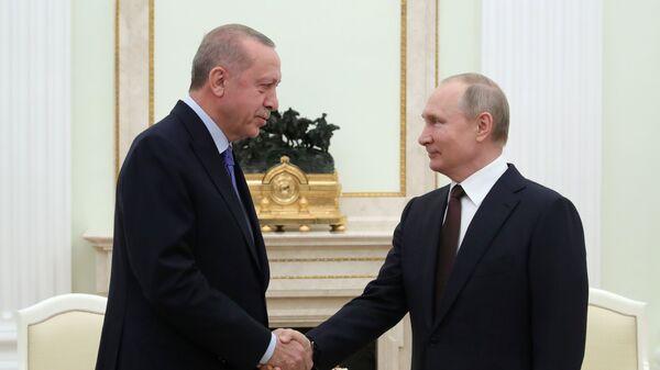 Президент России Владимир Путин и президент Турции Реджеп Тайип Эрдоган во время встречи (5 марта 2020). Москва - Sputnik Արմենիա