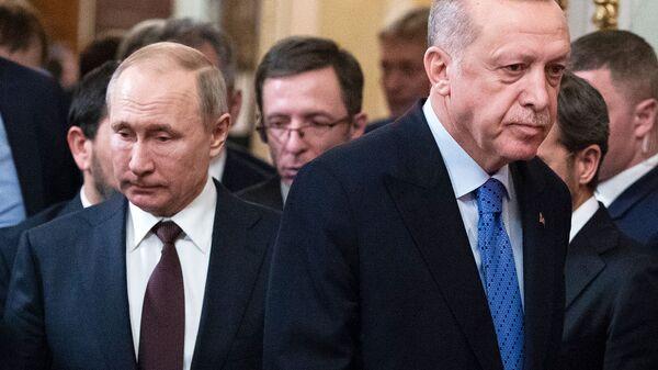 Президент России Владимир Путин, слева, и президент Турции Реджеп Тайип Эрдоган (справа) - Sputnik Армения