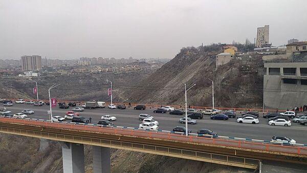 Мост в районе Давиташен (7 марта 2020). Еревaн - Sputnik Армения