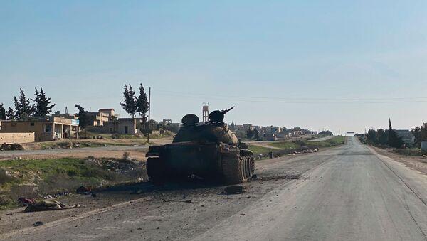 Освобожденная от боевиков автомобильная дорога  Дамаск - Алеппо в Сирии - Sputnik Армения