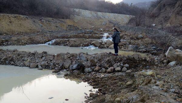 Загрязненная река у монастыря Ахтала - Sputnik Արմենիա