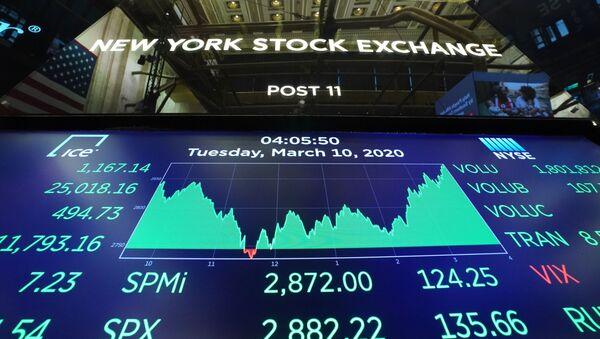 Табло с индексами котировок в зале Нью-Йоркской фондовой биржи (10 марта 2020). - Sputnik Армения
