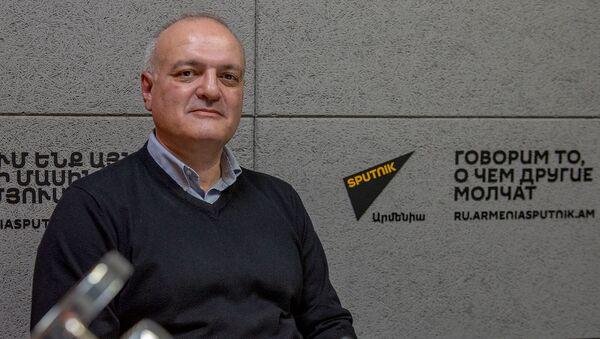 Политтехнолог Виген Акопян - Sputnik Արմենիա