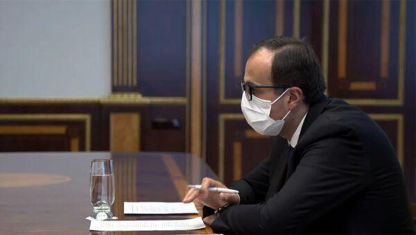 Министр здравоохранения Арсен Торосян на встрече с президентом Армении (20 марта 2020). Еревaн - Sputnik Արմենիա