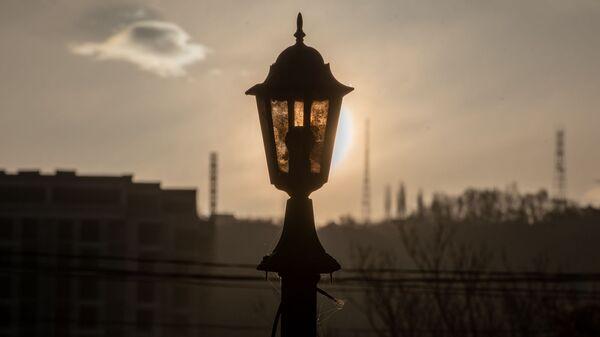 Фонарь уличного освещения на рассвете - Sputnik Արմենիա