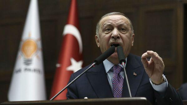 Президент Турции Реджеп Тайип Эрдоган в парламенте (26 февраля 2020). Анкара - Sputnik Армения