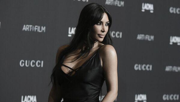 Ким Кардашьян на гала-концерте в Музее искусств (3 ноября 2018 ). Лос-Анджелес - Sputnik Армения