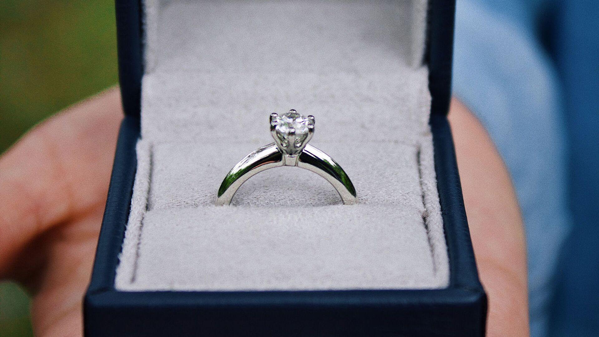 Обручальное кольцо - Sputnik Արմենիա, 1920, 04.09.2021