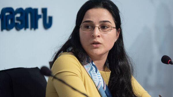 Пресс-секретарь министерства иностранных дел Армении Анна Нагдалян на пресс-конференции (18 марта 2020). Еревaн - Sputnik Армения