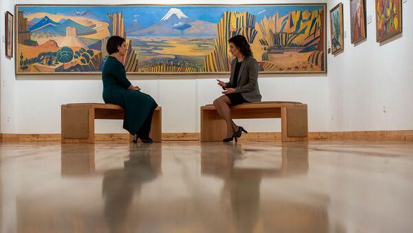 Анна Акопян во время интервью в рамках проекта Леди Sputnik - Sputnik Армения