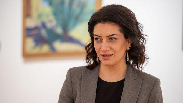 Анна Акопян во время интервью в рамках проекта Леди Sputnik - Sputnik Արմենիա