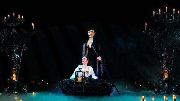 Искусство в массы: главные театры мира ведут прямые включения прямо из зрительного зала - Sputnik Армения